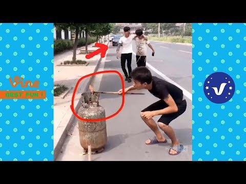 Funny Videos ● Chinese Funny Clips 2017 (Part 2)